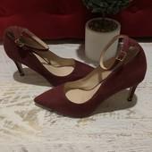 Туфлі із натуральної замші,від Minelli,розмір 38.Новинка