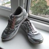 Стильные кроссовки H&M. Размер 38