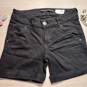 Страдивариус! Крутые женские джинсовые шорты! 34 евро, полномерные! Черный равномерный цвет!