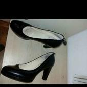Фирменные туфли Clarks. Кожа. 25 см стелька.