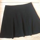Красива фактурна юбка M&S ,гарний пошив UK14
