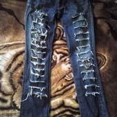 джинсы на девочку 13-15 лет были одеты два раза