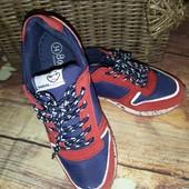 Фирменные кроссовки Reserved 34р(20 см стелька)