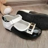 Лакові туфельки для дівчинки 25 р.