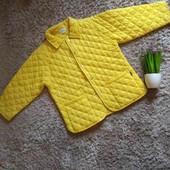 Яркая,стеганная куртка от Chicco