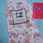 Обалденное платьице в стразах,на девочку 7-9 лет