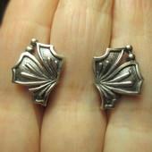 Цена снижена! Успей купить!Изысканные серебряные серьги- 925 пр. .Новые с биркой!