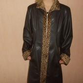 Пальто демисезонное, плащ под кожу 42,44 размер. Новый, сток.