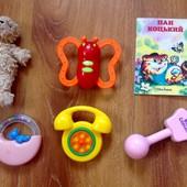 Лот игрушек для малышей. В лоте все, что на фото