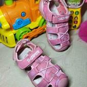 17.5 см. Яркие нежно розовые сандали, босоножки с защитой носка