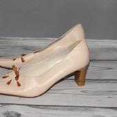 туфли натуральная кожа, люкс качество! дефект на каблуке,
