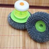 Щетка для мытья посуды дозатором для моющего средства