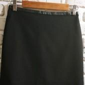 Стильная, универсальная юбка H&M с кожаным поясом. 38/8/S