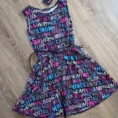 Новое платье в стильном принте со съёмным ремешком, на девочку 9-10 лет