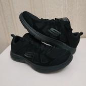 Лёгкие кроссовки (оригинал) для широкой стопы. Идеальное состояние.