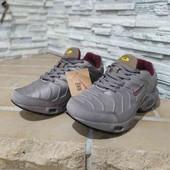демисизоные кроссовки Nike.
