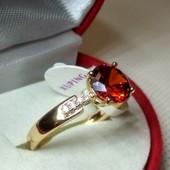 Позолоченное колечко с красным цирконом,17 р,покрытие позолотой 585пр