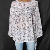 Лёгенькая фирменная блузочка в цветочек