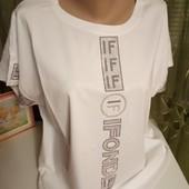 Летние футболочки со стразами,очень выигрышно смотрятся!