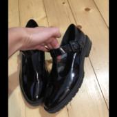 Красивые модные лаковые туфли.стелька 24.5см
