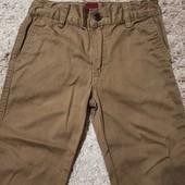 Клёвые штаны на 4 года в отличном состоянии!