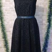 Красивое платье с бархатным узором размер 20