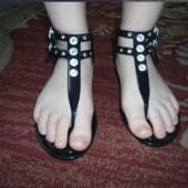 Незаменимая обувь для моря речки селиконовые римлянки!В лоте размер37!Почта 5%скидк