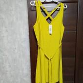 Фирменное новое красивое вискозное платье р.12-14.