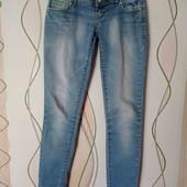 Женские джинсы, состояние отличное.