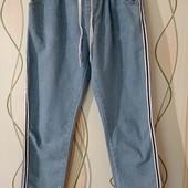 Классные, укороченные джинсы, состояние новых.