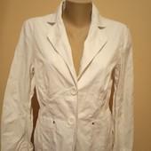 Гарний білий піджак в ідеальному стані, 10% знижка на УП