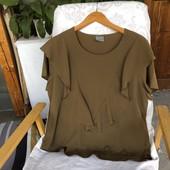 Модная блузочка хаки с воланами