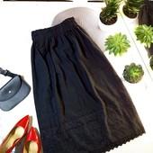 Черная юбка с выбивкой