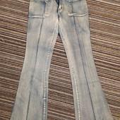 Женские джинсы. Снова в моде, клëш от колена! Новые.