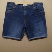 Мужские джинсовые шорты.. 100% хлопок.. р указан 38..наш 54-56..Поб 63