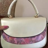 Нарядна та стильна сумочка