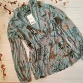Красивая фирменная в актуальный принт блуза Next. Отменное качество!