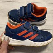 Кроссовки Adidas оригинал 30 размер стелька 18,5 см ( на бирке 18)