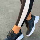 супер классные кожаные женские кроссовки 37р, 23 см , распродажа