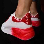 Шикарная моделька, женские кроссовки 38р, 23,5см