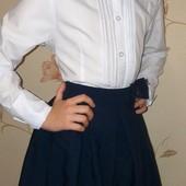 Белоснежная школьная блузка - рубашка для девочки.Очень нарядная.