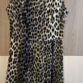 Красивое женское платье размер S