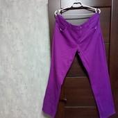 Фирменные красивые коттоновые стрейчевые джинсы в состоянии новой вещи р.16-20.