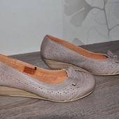 ЛоВи ЛоТы! 25,5 см Кожа. очень комфортные туфли балетки.