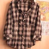 отличная рубашка с рюшами хлопок стрейч - пог 48 см