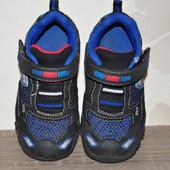ЛоВи ЛоТы! 17 см Skechers Отличные кроссовки с защитой носка. мигают