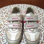 Фирменные кроссовки Geox, 27р, стелька 17 см