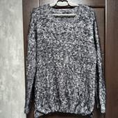 Фирменный красивый свитерок букле-травка в состоянии новой вещи р.18-20