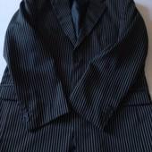 Мужской костюм тёмно-синего цвета в белую полоску большого размера