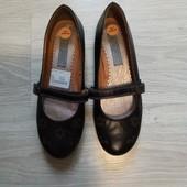 Фирменные новые красивые туфли р.38 на ножку 24, 5 см